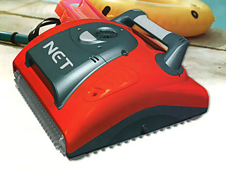 Robot piscine lectrique dolphin robot net avec chariot for Robot piscine sur batterie