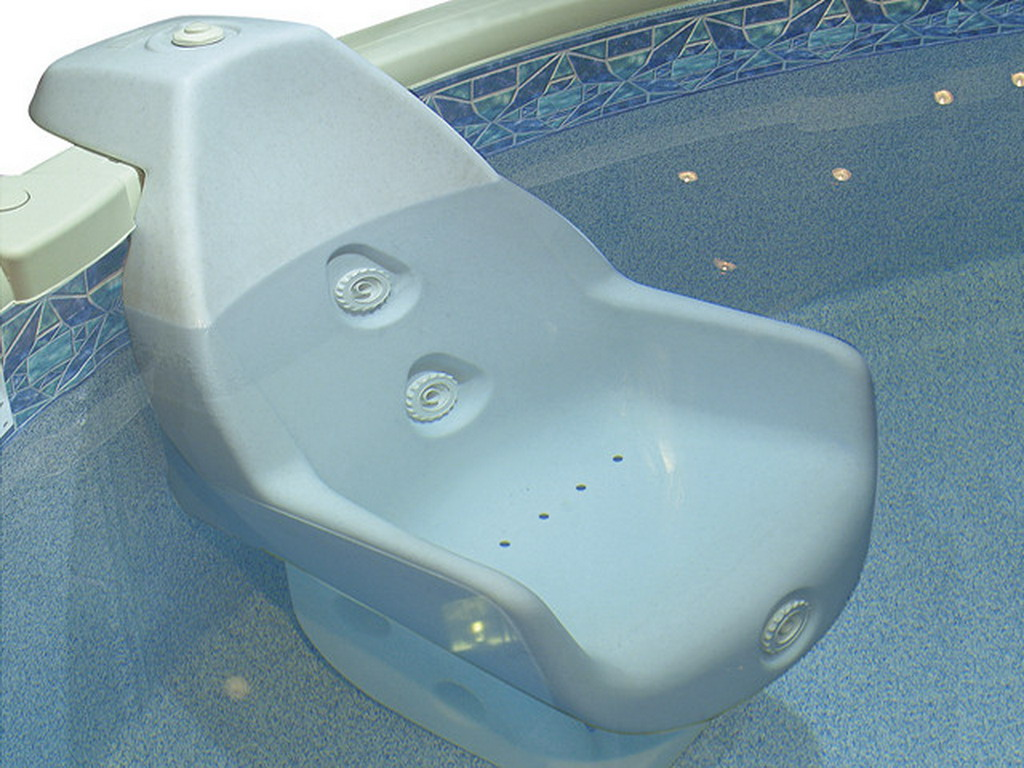 fauteuil hydro massant innovaplas massea 3 jets pour piscine hors sol ou enterr e sur. Black Bedroom Furniture Sets. Home Design Ideas