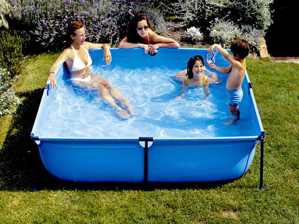 Piscine hors sol enfant gr jetpool carr e x x 0 for Que mettre sous piscine hors sol