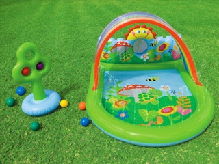 aire de jeux gonflable enfant intex countryside pour piscine et jardin sur march. Black Bedroom Furniture Sets. Home Design Ideas
