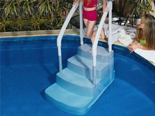 Escalier int rieur innovaplas fiesta 4 marches avec mains courantes pvc piscine hors sol sur - Piscine hors sol avec escalier interieur ...