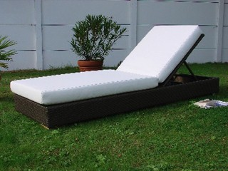 lit de piscine acier et r sine tress e 200cm x 75cm x 25cm coloris chocolat sur. Black Bedroom Furniture Sets. Home Design Ideas