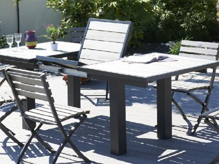 table de jardin en aluminium et composite clair 180cm x 100cm x 75cm sur march. Black Bedroom Furniture Sets. Home Design Ideas