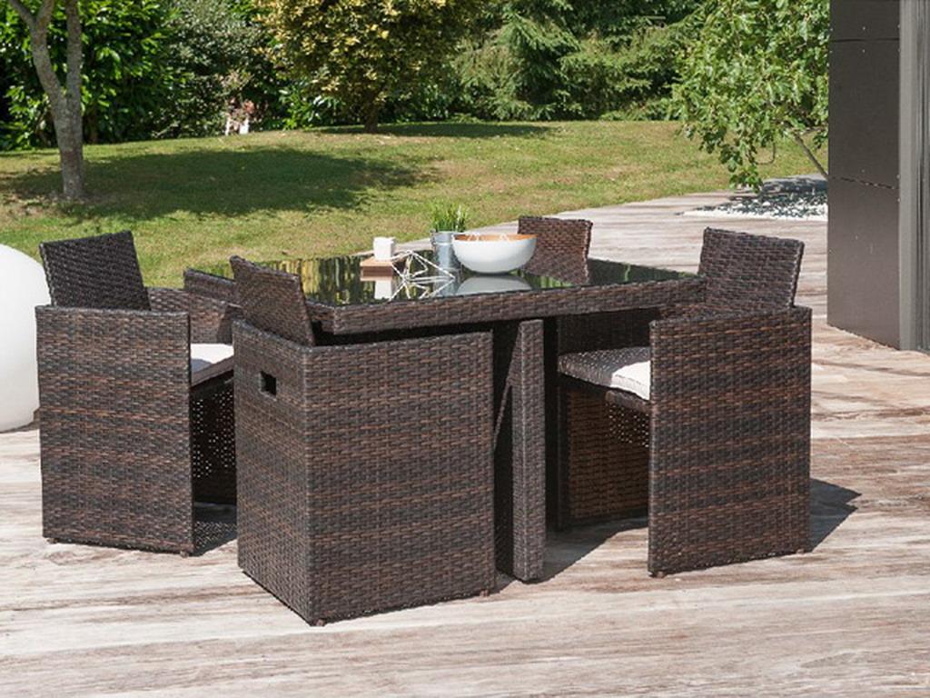 Salon de jardin en résine tressée avec table et 4 fauteuils