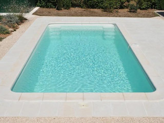 coque piscine blanche