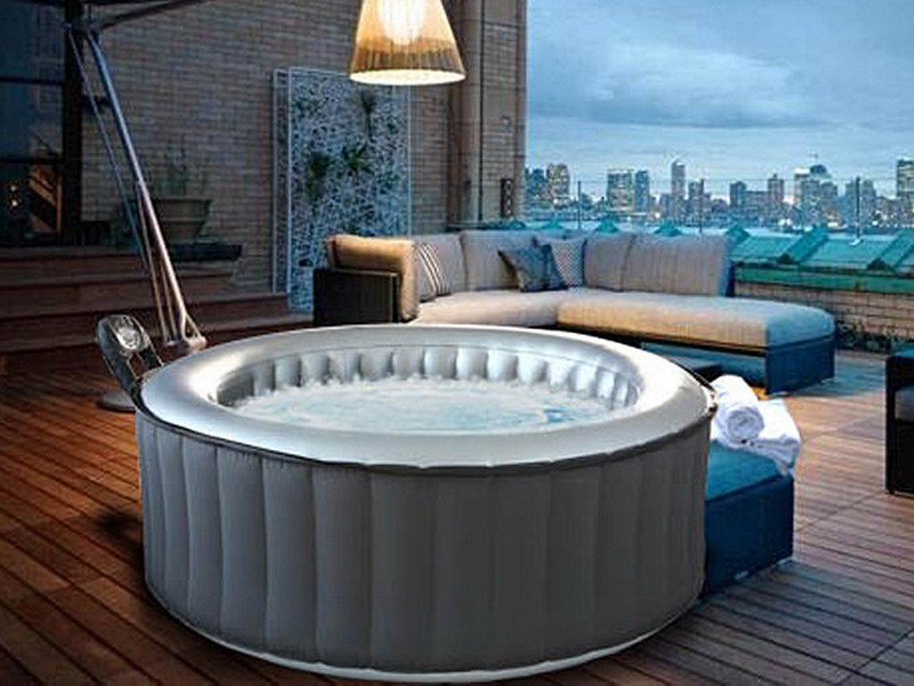 spa gonflable sur balcon latest solde spa gonflable inspirant jacuzzi places free spa gonflable. Black Bedroom Furniture Sets. Home Design Ideas
