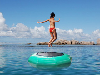 Game - Trampoline aquatique gonflable geant WATER JUMP Ø200cm