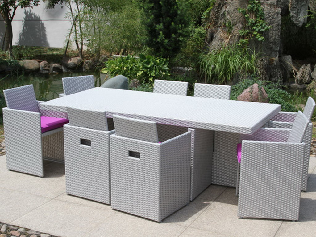 salon de jardin en r sine tress e avec table et 8 fauteuils dossiers rabattables gris et fushia. Black Bedroom Furniture Sets. Home Design Ideas