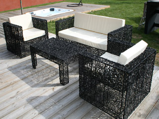 salon de jardin r sine spirale nidoiseau avec banquette 2 fauteuils table basse coloris noir. Black Bedroom Furniture Sets. Home Design Ideas
