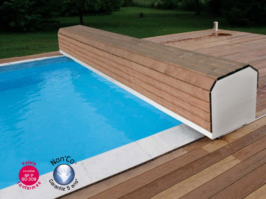 Piscine Tubulaire Habillage Bois volet automatique de sécurité abriblue banc surf system pour piscine  enterrée