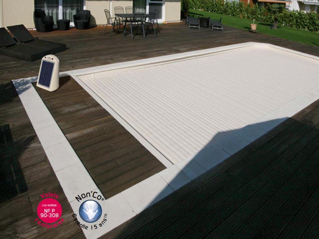 volet abriblue imm 39 ax solar energy lames et caillebotis pvc blanc pour piscine 5x10m avec escalier. Black Bedroom Furniture Sets. Home Design Ideas