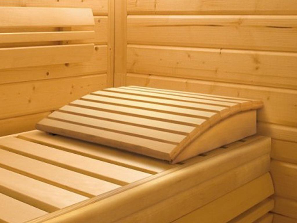 repose t te en bois karibu premium pour sauna sur march. Black Bedroom Furniture Sets. Home Design Ideas