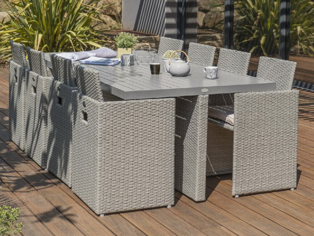 salon de jardin en r sine tress e avec table 8 fauteuils encastrables gris sur. Black Bedroom Furniture Sets. Home Design Ideas