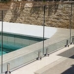 Barrière piscine verre et plexiglas
