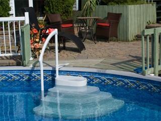 Escalier piscine voie royale avec double main courante sur march - Piscine hors sol avec escalier interieur ...