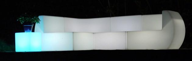Angle lumineux de divan filaire Loon LOONGE 96x96x71cm pour piscine et jardin - Caractéristiques de l'angle de divan lumineux filaire Loon LOONGE pour piscine et jardin