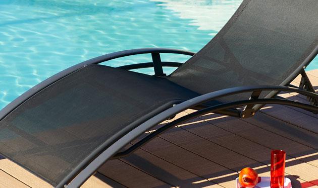 Chaise longue multi-positions aluminium et textilene 170cm x 70cm x 30cm coloris noir - Chaise longue confortable et accueillante