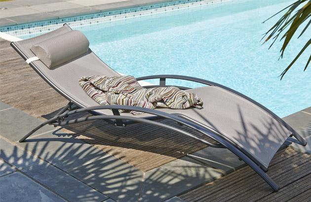 Chaise longue multi-positions aluminium et textilene 170cm x 70cm x 30cm coloris gris - Chaise longue confortable et accueillante
