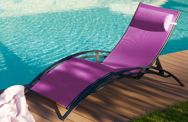 Chaise longue multi-positions aluminium et textilene 170cm x 70cm x 30cm coloris prune - Chaise longue confortable et accueillante