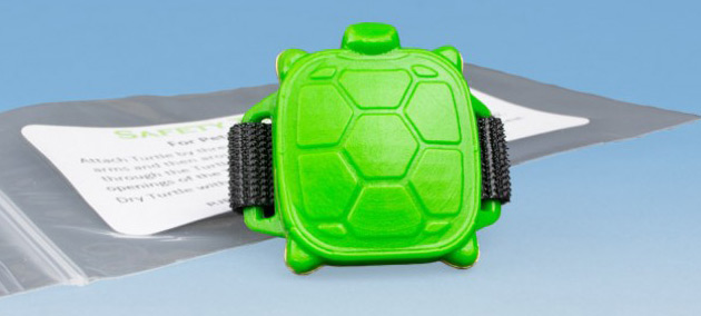 Alarme piscine enfant SAFETY TURTLE 2.0 avec bracelet - Galerie photos et vidéo de l'alarme SAFETY TURTLE 2.0