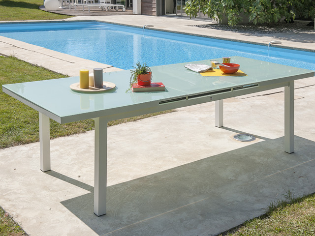 Table de jardin MYKONOS aluminium plateau verre avec rallonge  180/240x100x77cm Blanc